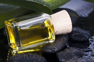 L'huile de Moringa pour la peau et les cheveux