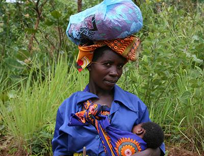 femme africaine moringa santé humanitaire
