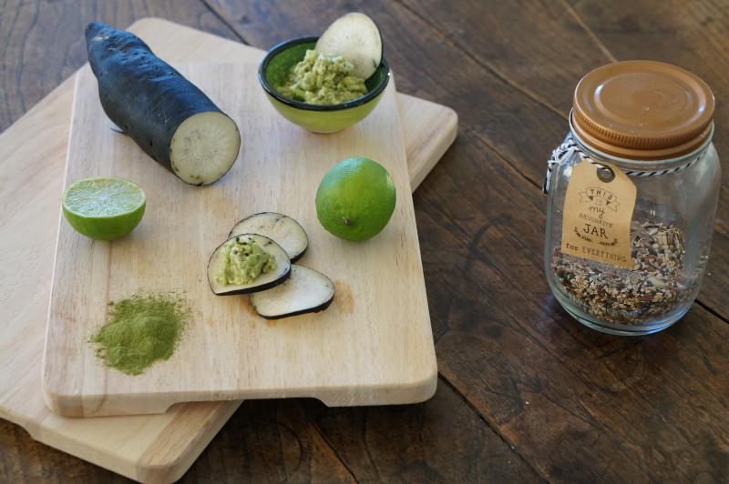 Guacamole de Moringa BIO et ses chips de radis noirs